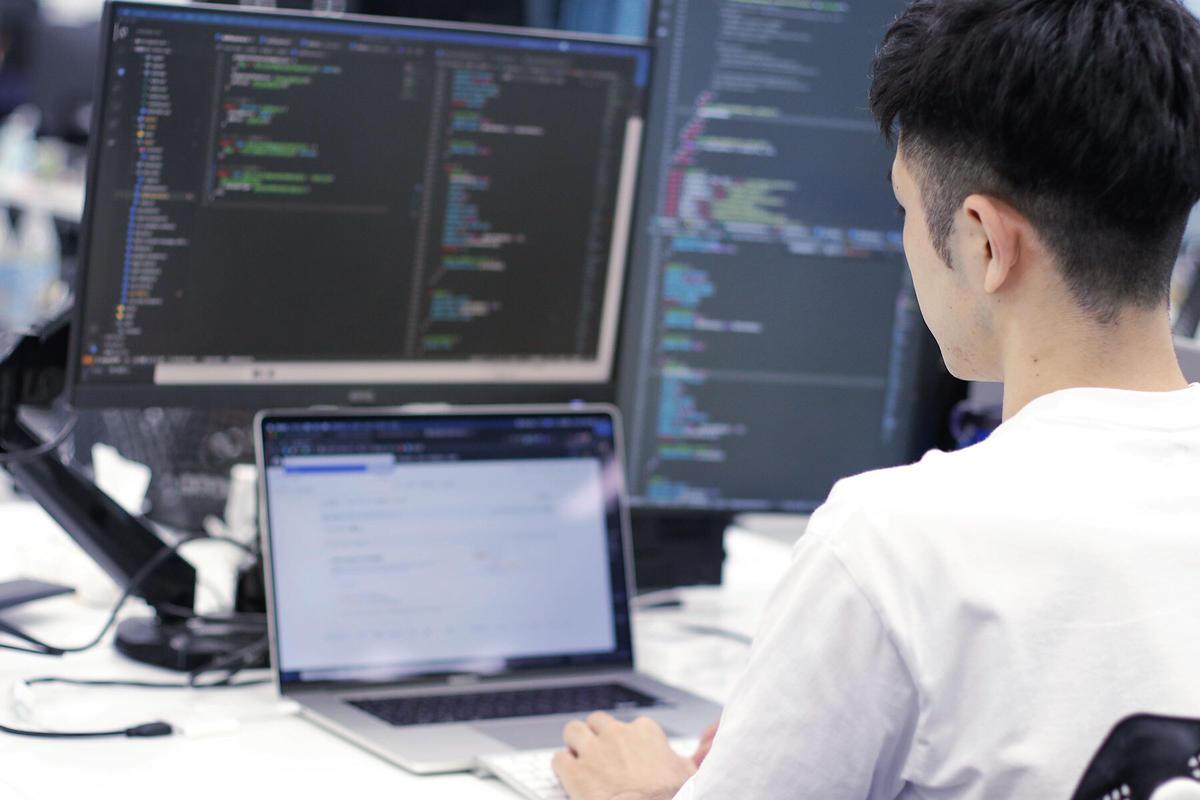 山室情報技術株式会社の求人画像1